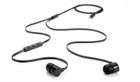 HTC-One-headphones