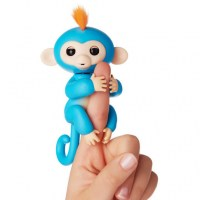wowwee-fingerlings-interactive-baby-monkey-toy-boris--183A0813.zoom